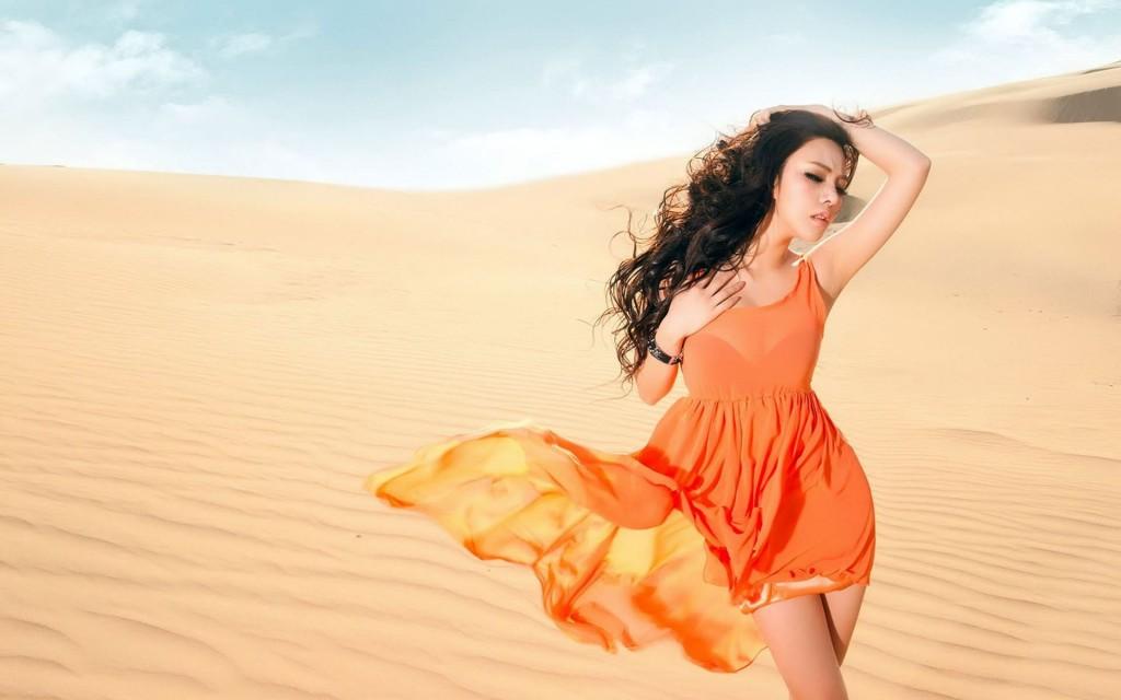 沙漠性感美女