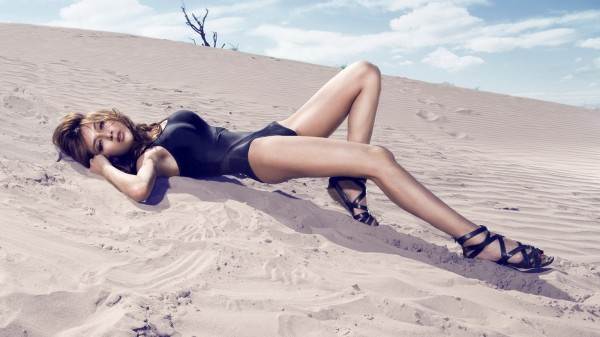 高清性感美女壁纸,热情的沙漠