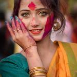 印度洒红节美女手机壁纸